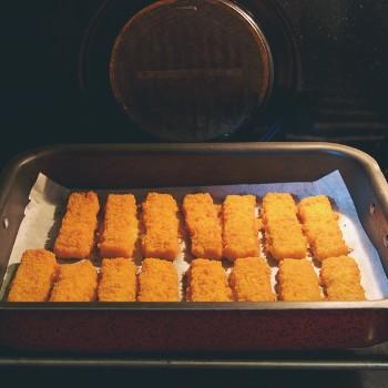 Vissticks uit de oven en de airfryer